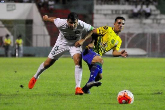 Liga de Portoviejo gana 1-0 a Gualaceo en el Reales Tamarindos