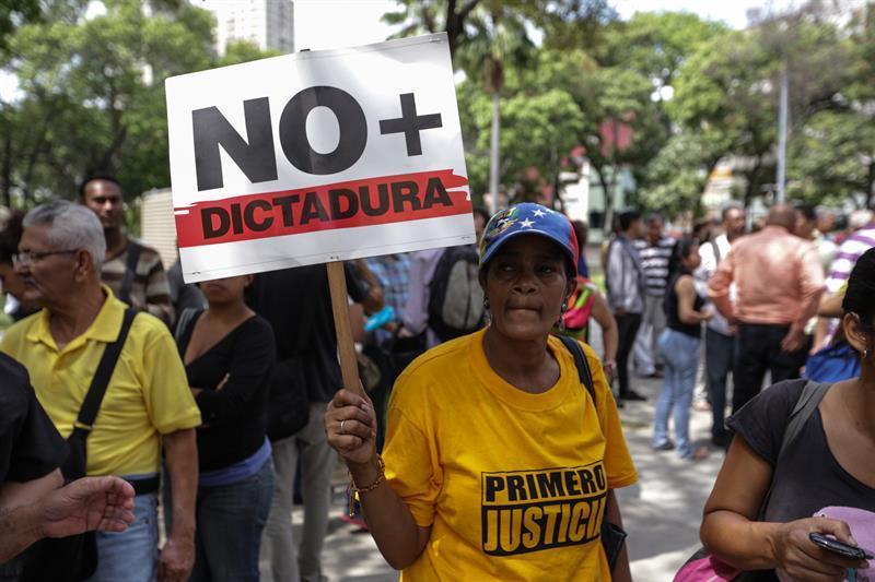 Tribunal Supremo de Venezuela renuncia a asumir funciones del Parlamento