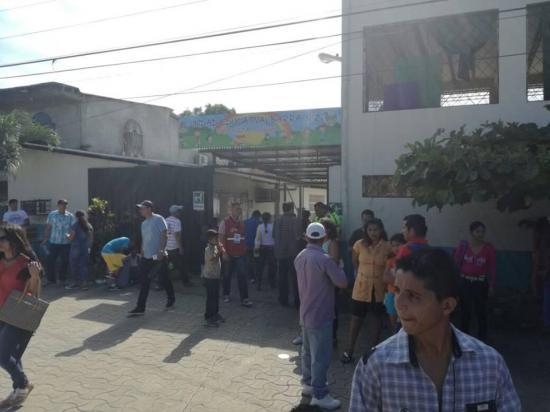 Jornada electoral se desarrolla sin novedades en cantones manabitas
