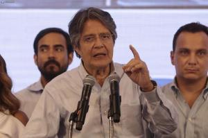 Lasso anuncia viaje a Quito para 'defender la voluntad' de los ecuatorianos