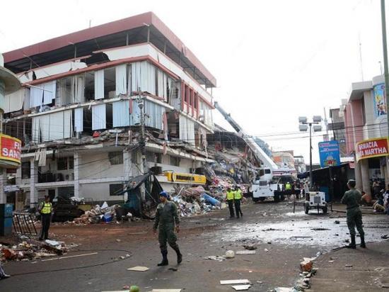 Las primeras decisiones en Manta tras el terremoto