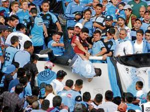 Muere hincha argentino agredido