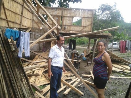 Una familia de Paján se quedó sin vivienda tras caer por la lluvia