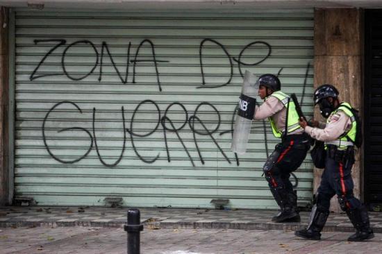 Saqueos en Caracas dejan al menos 10 personas fallecidas