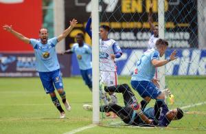 Macará venció a Universidad Católica por 3-1