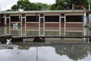 Regreso a clases con dificultades en algunos centros educativos en Los Ríos