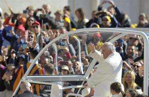El papa se movilizará en un vehículo 'normal' durante su visita a El Cairo