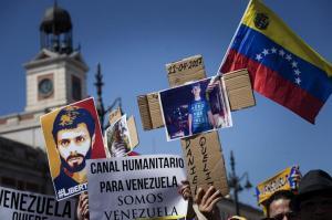 Opositores venezolanos comienzan 'plantón' en varias ciudades del país
