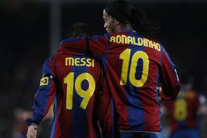 Ronaldinho felicita a Messi: 'Hermano, yo te regalé el primer gol'