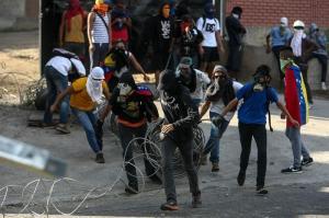 Maduro dice hay 29 muertos y 140 millones de dólares de pérdidas en protestas
