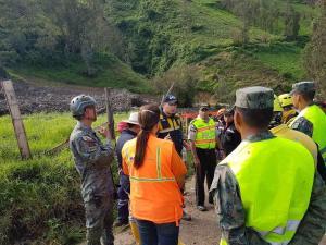 Continúan la búsqueda de posibles víctimas en Chunchi, en Chimborazo, tras deslave