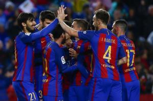 El FC Barcelona golea por 7-1 al Osasuna y lo condena al descenso