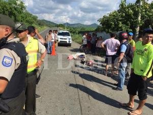 Hombre muere tras el choque de una moto y una volqueta en la vía El Rodeo