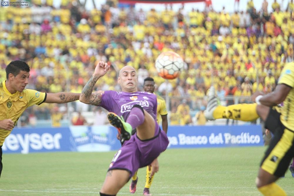 Barcelona SC vence por 3-0 a Fuerza Amarilla en Machala