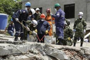 Elevan a 20 el número de fallecidos en derrumbe de un edificio en Cartagena