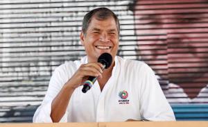 Correa anuncia que viajará a Cuba a recibir Orden José Martí y doctorado