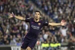 El Barça sigue líder tras sudar un triunfo por 0-3 en el derbi barcelonés