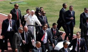 El papa Francisco concluye su visita de dos días a Egipto