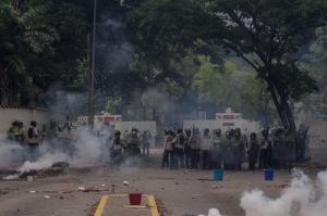 Venezuela va a nuevas manifestaciones tras 37 fallecidos y más de 700 heridos