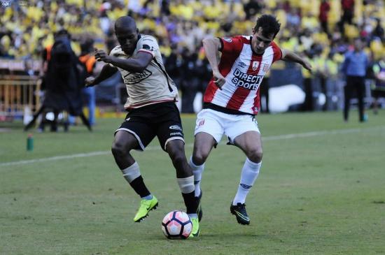 Barcelona SC cae 0-3 ante Estudiantes de La Plata en el Monumental