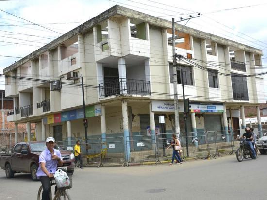 Retoman demolición de 18 casas pendientes