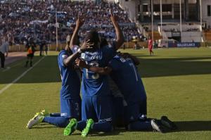 Emelec vence por 2-0 a El Nacional en el estadio Atahualpa