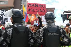 Maduro no viajó a Ecuador para evitar 'preguntas incómodas', dice Capriles