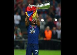'Toño' Valencia renovó su contrato con el Manchester United hasta el 2019