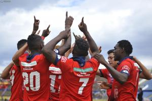 El Nacional vence 3-1 a Clan Juvenil y sale de la 'zona roja'