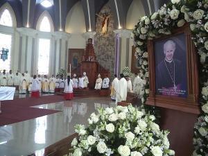 En honor a Monseñor