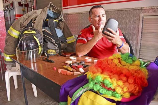 La otra vida de los bomberos