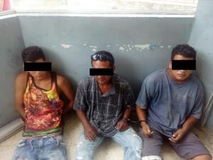 Tres hombres son detenidos acusados de robo en un colegio, en Bahía de Caráquez