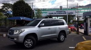 Expresidente Correa deja el hospital tras 4 días de tratamiento por neumonía