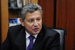 Juez ecuatoriano da paso a proceso extradición a primo de expresidente Correa