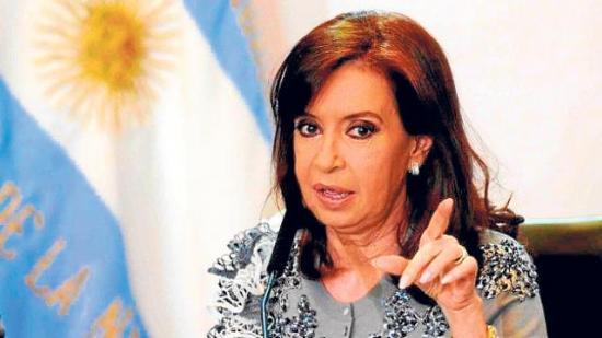 Juez ordena intervenir sociedad de Cristina Fernández por lavado