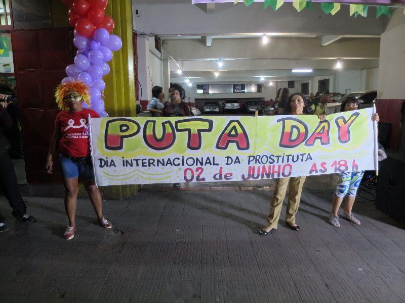 """Resultado de imagen para prostitutas brasileñas celebran el """"Putadei"""" para acabar con prejuicios"""