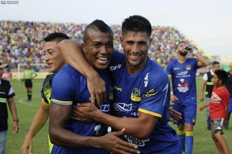 ¡IMPARABLES! Delfín SC sigue invicto y líder de la Serie A