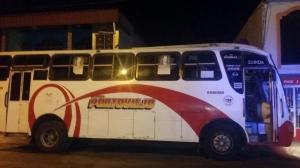 Adolescente es detenido cuando manejaba un bus robado