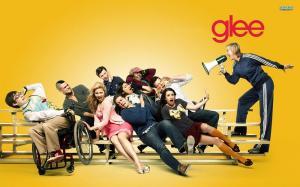 Estrella de 'Glee' revela su nueva apariencia tras cambio de género