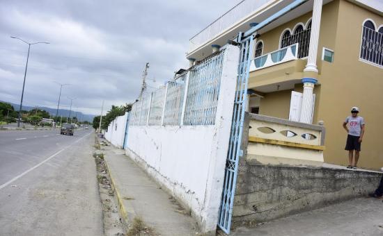 Policía resulta herido en un asalto en Crucita