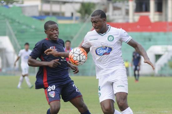 Liga de Portoviejo e Imbabura empatan sin goles en el Reales Tamarindos