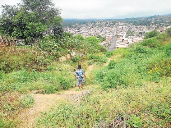 Ciudadanos temen al pasar por escalinatas
