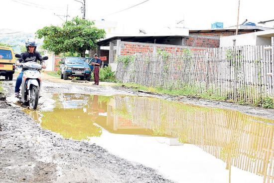 El agua se empoza en las calles de la ciudadela San Marcos