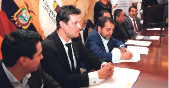 Ministro de Obras  Públicas declara en  emergencia al Tahual