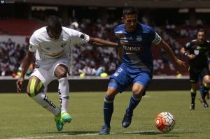 Emelec y Liga de Quito empatan 1-1 en el Rodrigo Paz