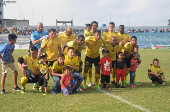 Fuerza Amarilla enfrenta una difícil prueba ante el campeón de 2015, Santa Fe