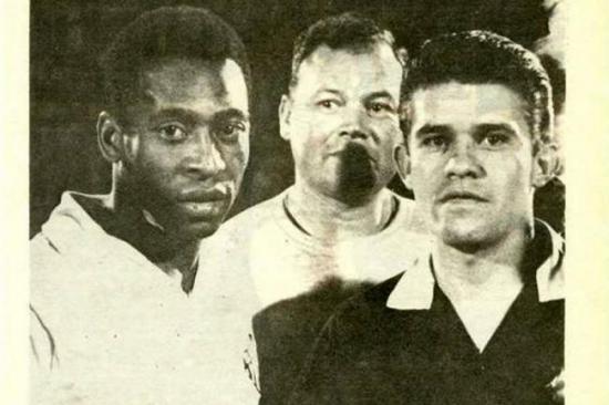 Murió árbitro que fue echado de un partido por expulsar a Pelé