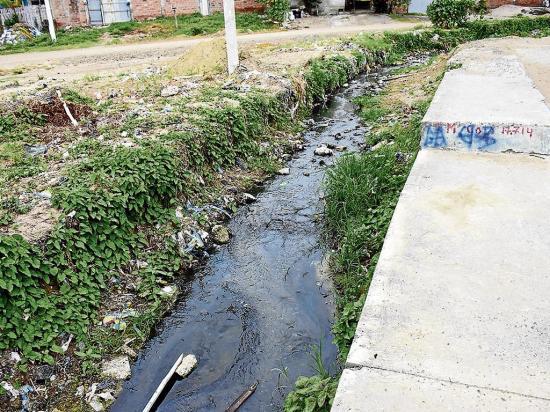 Cauce del San Valentín está contaminado con basura y aguas negras
