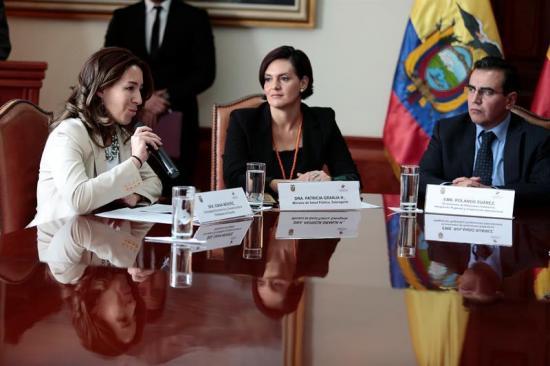 Ecuador y España suscriben acuerdos por 6 millones dólares en canje de deuda