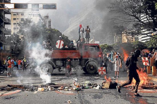 "Oposición hizo un ""trancazo"" contra Maduro"
